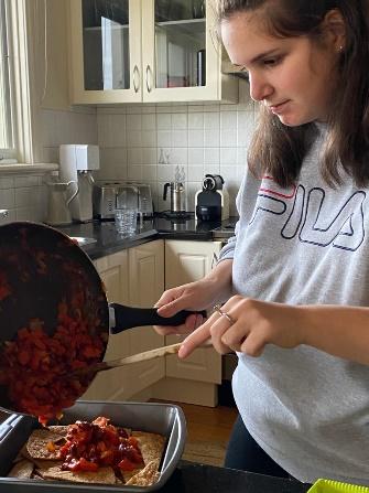 making nachos